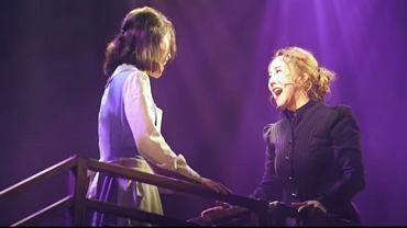 'You're the Star to Me' - teledysk z musicalu o Marii Curie-Skłodowskiej