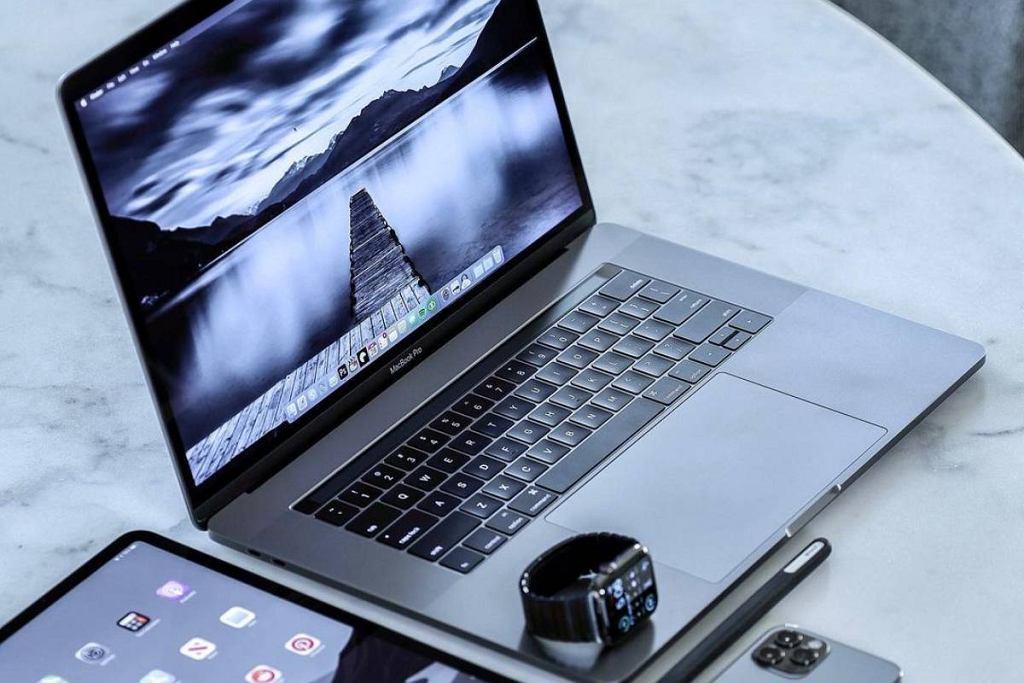 Nowy MacBook Pro 2021 - twórcy wracają do starych sprawdzonych patentów. Jaki będzie nowy Mac?