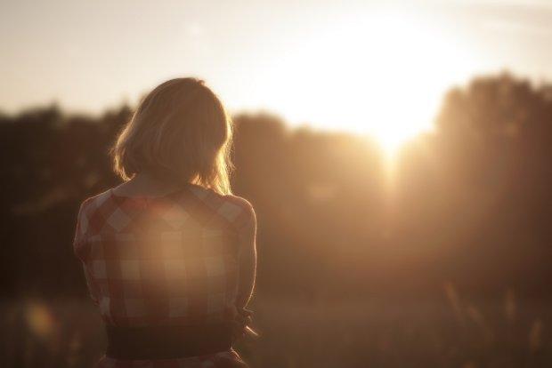 Rozwódka. Forever alone. I nigdy już sobie z niczym sama nie poradzi... źródło: pexels.com