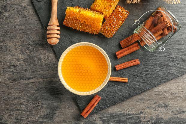 Осветление волос медом и корицей