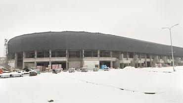 Widok na stadion od strony pola golfowego (trybuna wschodnia).