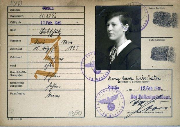Kennkarte Anny Lubschutz wydana dzień przed wywózką. Trafiła do getta w Piaskach z dwa lata młodszą siostrą Hildegardą
