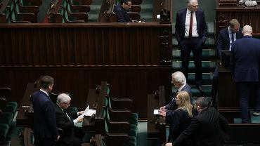 Trzeci dzien 9 . posiedzenia Sejmu IX kadencji