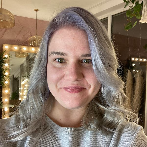 Julia Kata, psycholożka, członkini zarządu fundacji Trans-fuzja