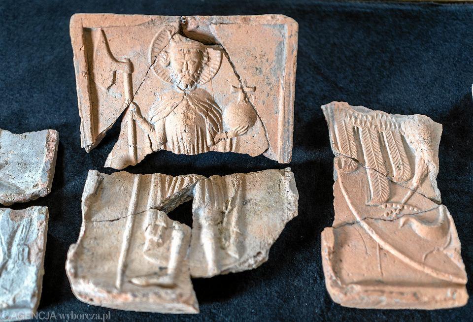 Kafle ze zbiorów bielskiego muzeum