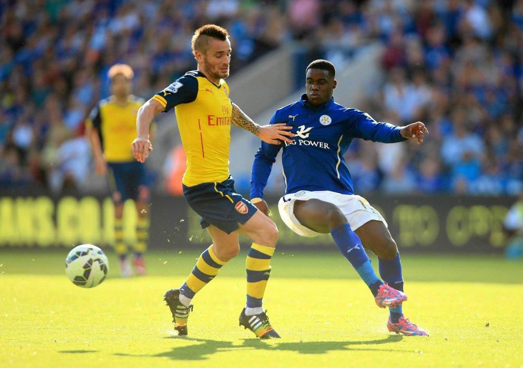 Leicester - Arsenal. Mathieu Debuchy