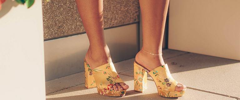 Szukasz niebanalnych butów? Zdecyduj się na ciekawe modele we wzory