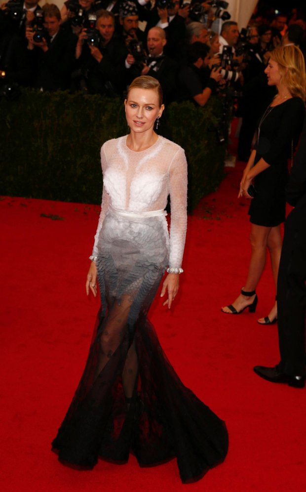 """Actress Naomi Watts arrives at the Metropolitan Museum of Art Costume Institute Gala Benefit celebrating the opening of """"Charles James: Beyond Fashion"""" in Upper Manhattan, New York, May 5, 2014.   REUTERS/Lucas Jackson (UNITED STATES  - Tags: ENTERTAINMENT FASHION)"""