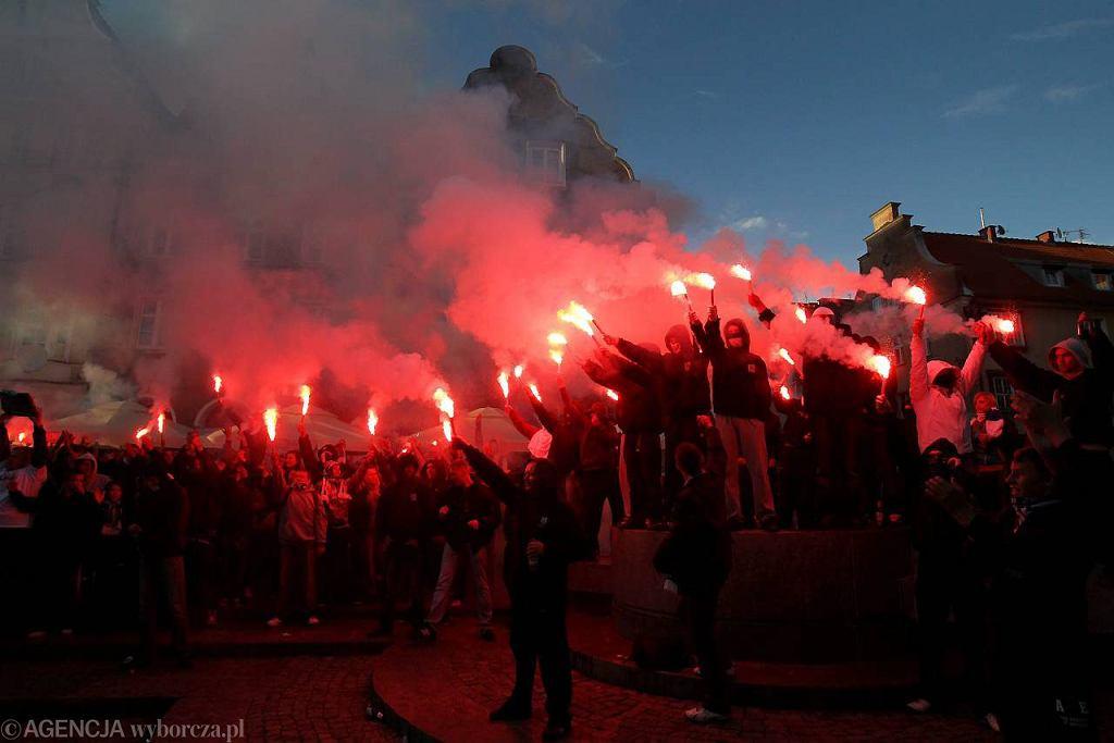 Tak kibice Stomilu Olsztyn świętowali w 2012 roku długo oczekiwany awans zespołu do I ligi