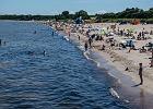 """Wolna amerykanka na plażach? Turyści """"zapominają"""" o epidemii na wakacjach"""