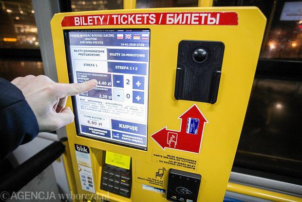 """Biletomaty będzie można obsługiwać także w języku ukraińskim. """"To bardzo przyjazny krok"""""""