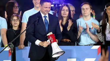 Wybory prezydenckie 2020, druga tura. Wieczór wyborczy Rafała Trzaskowskiego. Warszawa, Park Fontann, 12 lipca 2020