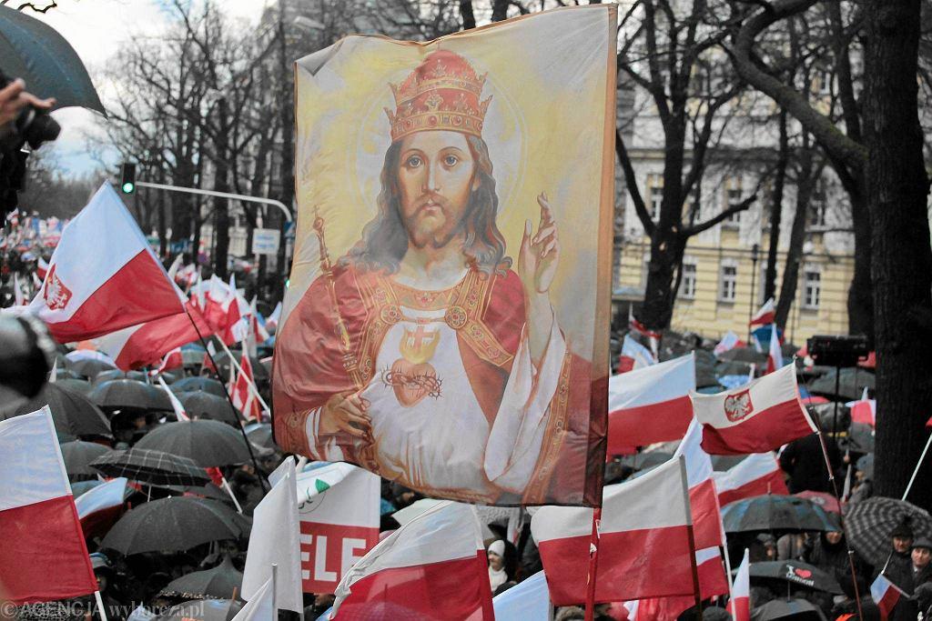 Jezus Chrystus na sztandarach zwolenników partii rządzącej. V