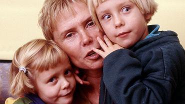 """Ewa Błaszczyk wyznała, jakie były ostatnie słowa jej córki, nim zapadła w śpiączkę. """"Ola wtedy krzyczała"""""""