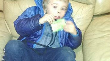 Chłopiec znaleziony na klatce schodowej w Katowicach
