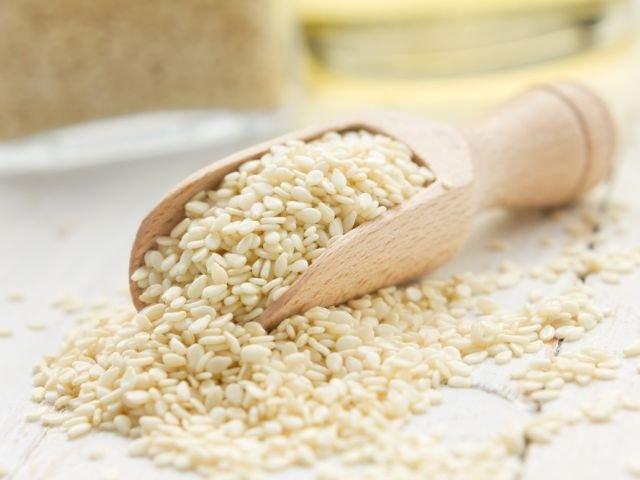 Sezam - uważany niegdyś za pokarm bogów - jest bardzo zdrowy, ale może też powodować reakcje alergiczne.