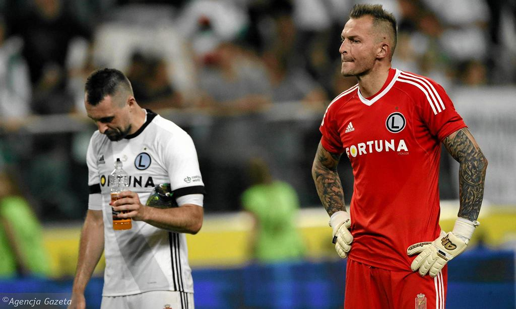 Legia - FK Astana 1:0. Legia odpadła z Ligi Mistrzów, ale kibice zaprezentowali powstańczą oprawę