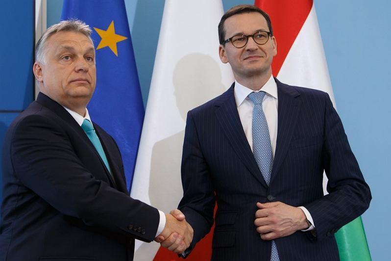 Premier Mateusz Morawiecki zapowiedział weto wobec budżetu UE. Podobne stanowisko przedstawił Viktor Orbán, premier Węgier