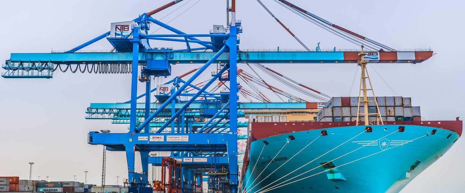 Mayview Maersk przy nabrzeżu terminala kontenerowego NTB w Bremerhaven (fot. Robert Urbaniak)