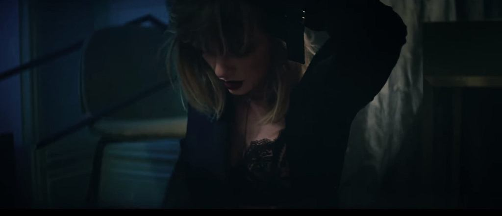 Taylor Swift w teledysku do utworu 'I Don't Wanna Live Forever' / screen z YouTube