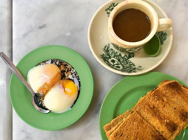 Tradycyjne śniadanie wYa Kun Kaya Toast