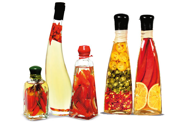 Papryczki chili: kuchnia ostra jak diabli, kuchnia, kuchnie świata, Oliwy z chili