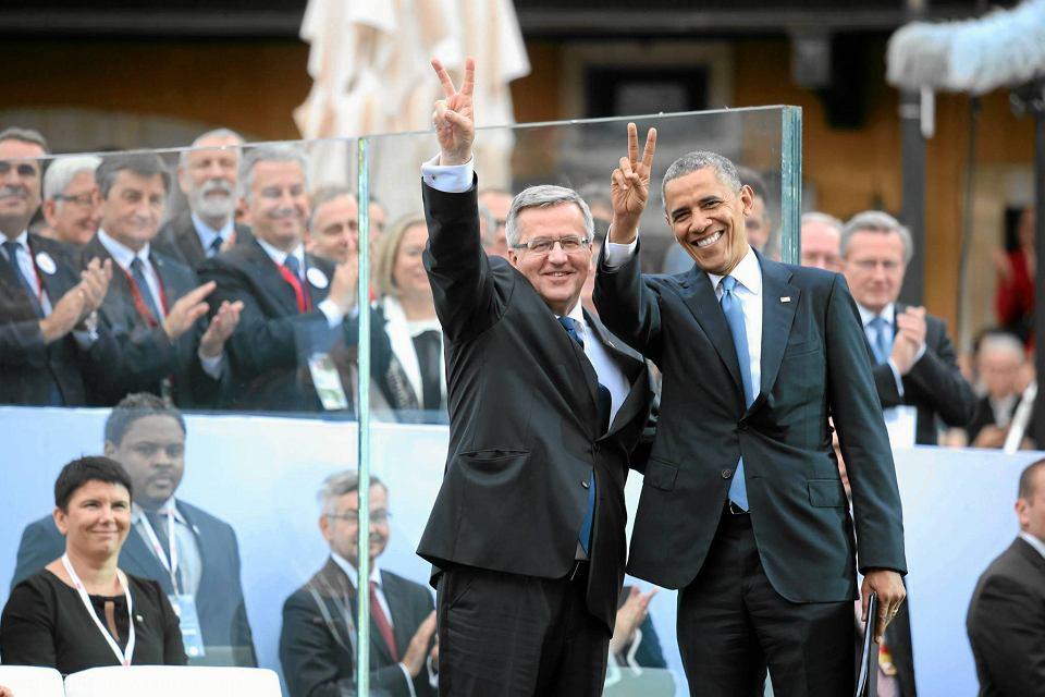 W czerwcu 2014 r. w Warszawie Barack Obama (na zdjęciu: z prezydentem Bronisławem Komorowskim na placu Zamkowym podczas obchodów Święta Wolności 4 czerwca) stawiał Polskę za wzór do naśladowania państwom naszego regionu. Działania PiS przeciwko instytucjom państwa demokratycznego znoszą tę ocenę