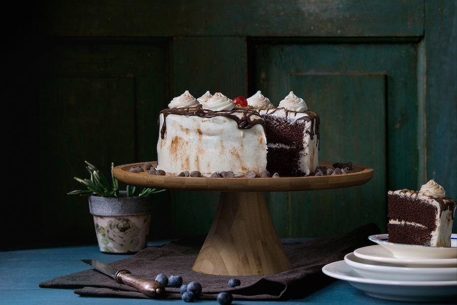 Drewniana patera na ciasto.