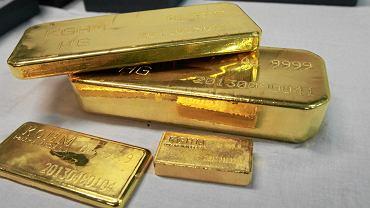 Złota hossa bije kolejne rekordy. Uncja kosztuje już 7600 złotych!