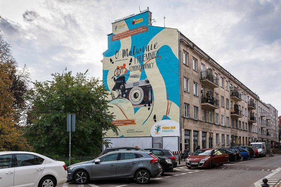 Na finał Piórka 2020 Biedronka przygotowała antysmogowy mural na warszawskim Powiślu,