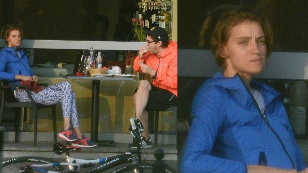 Zdjęcie numer 1 w galerii - Renata Kaczoruk i Kuba Wojewódzki pojechali rowerami na obiad. Ona w BARDZO obcisłych leginsach, ale i tak NAJLEPSZE wydarzyło się później