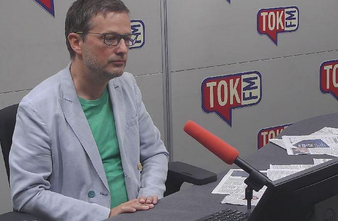 Jan Wróbel w studiu TOK FM.