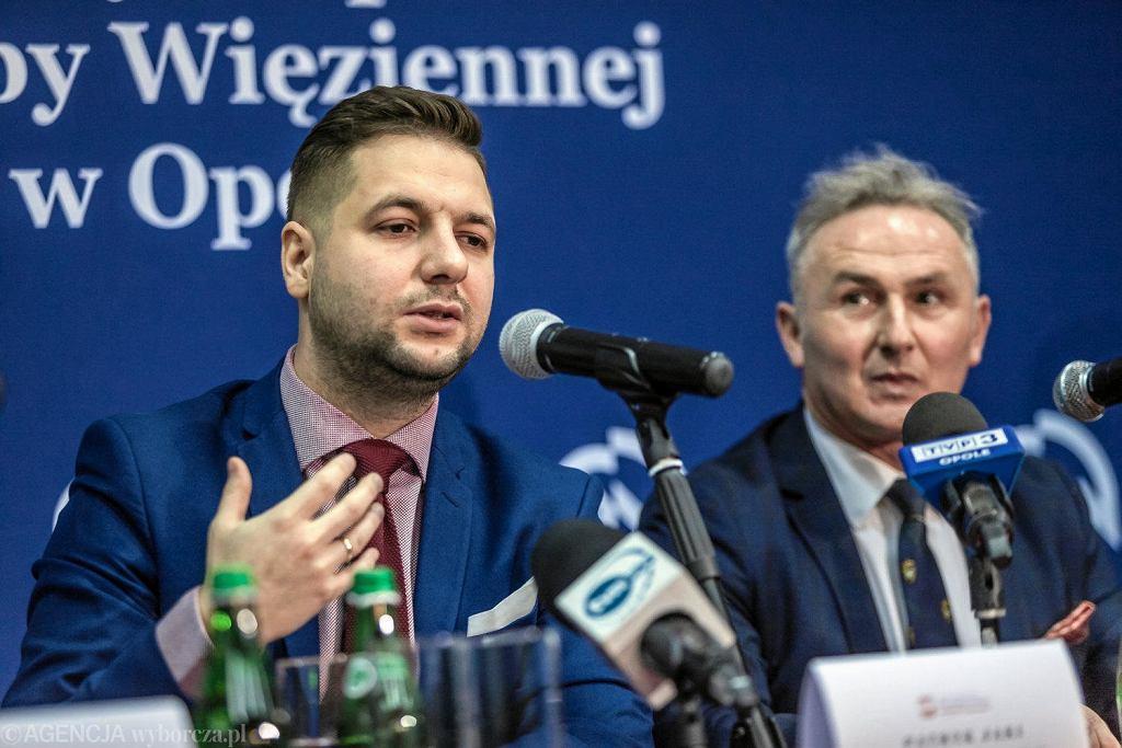 Patryk Jaki i burmistrz Brzegu Jerzy Wrębiak