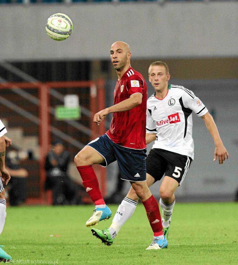 Gliwice. 1/8 finału Pucharu Polski: Piast - Legia Warszawa 1:2. Z lewej Alvaro Jurado