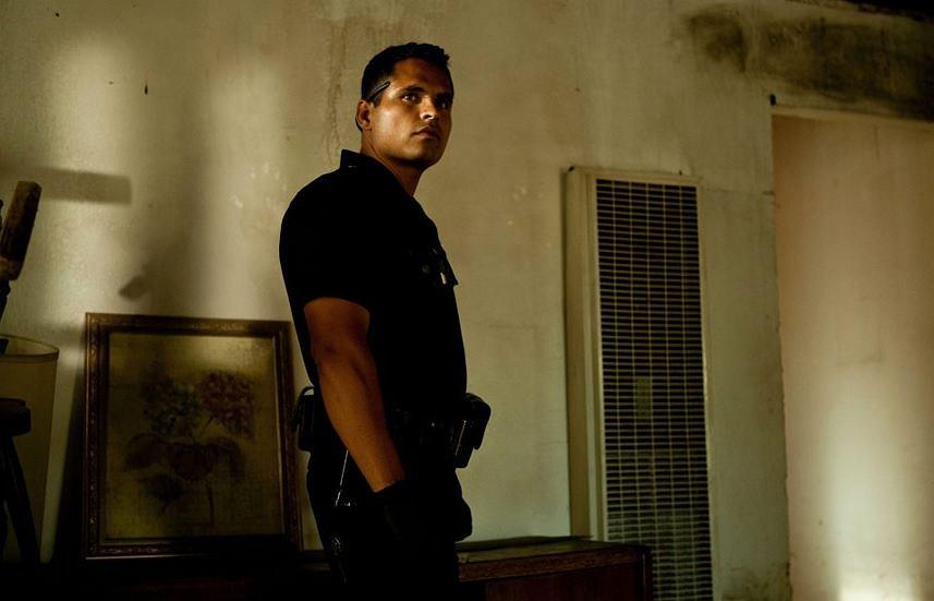 Michael Pe?a w filmie 'Bogowie ulicy' (2012), reż. David Ayer