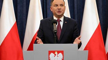Prezydent RP Andrzej Duda wygłasza oświadczenie (Komisja Europejska uruchomiła wobec Polski art 7)