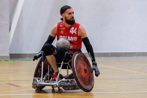"""Czołowy reprezentant Polski w rugby na wózkach niedopuszczony do gry. """"Na razie się nie poddaję"""" [WIDEO]"""