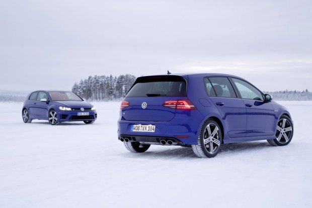 2014 Volkswagen Golf R VII in snow, Sweden