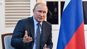 Władimir Putin w forcie Bregançon, letniej rezydencji prezydentów Francji.