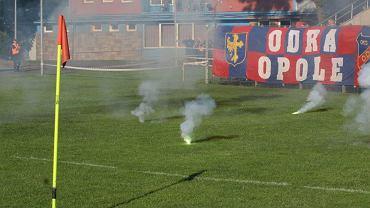 Odra Opole - Zagłębie Sosnowiec 0:1. Race na murawie