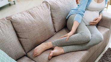 Skurcze łydek w ciąży to bardzo częsta przypadłość. Zdjęcie ilustracyjne