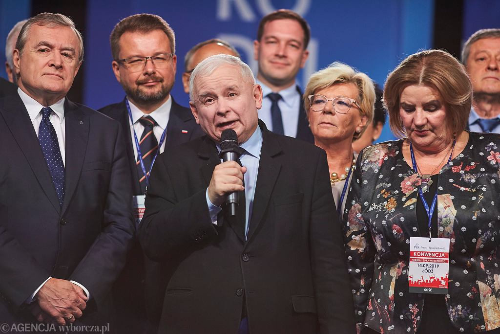 Wicepremier Piotr Gliński , prezes PiS Jarosław Kaczyński podczas konwencji programowej PiS w Łodzi .