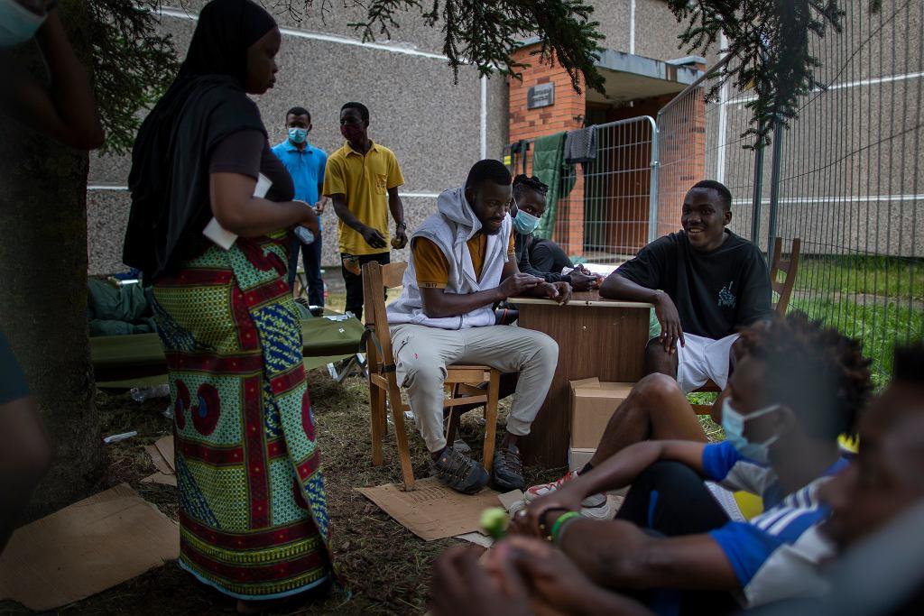 14.07.2021, Druskienniki, Litwa. Migranci z Kamerunu, Nigerii i Sierra Leone w ośrodku dla uchodźców.