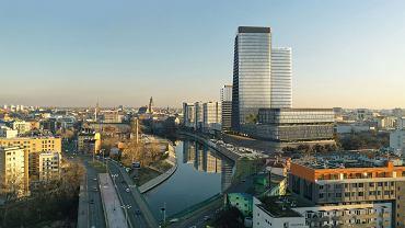 Quorum - kompleks biurowo-usługowo-mieszkalny przy ul. Sikorskiego we Wrocławiu o wysokości 140 metrów. Inwestorem jest firma Cavatina