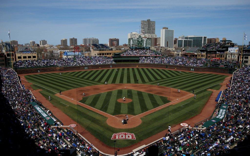 Stadion Wrigley Field podczas meczu Cicago Cubs - Arizona Diamondbacks