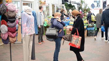 Pierwszy dzień obowiązkowego noszenia masek w publicznej przestrzeni w całym Szczecinie