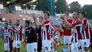 Piłkarze, kibice i przedstawiciele Odry mogli z czystym sumieniem świętować awans do II ligi