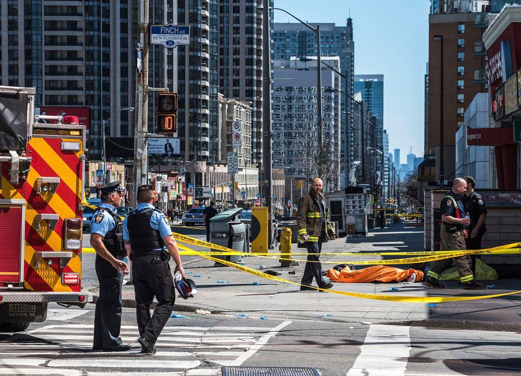Van uderzył w przechodniów w Kanadzie