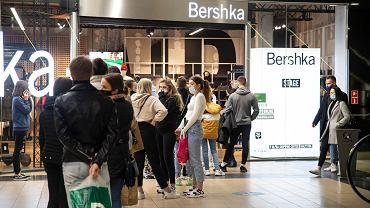 Koronawirus w Polsce. Piątek (06.11) - ostatnie popołudnie przed zamknięciem sklepów w galeriach handlowych