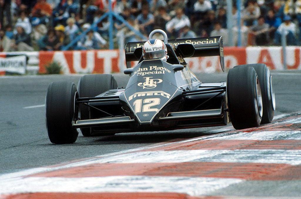 Lotus 92 z aktywnym zawieszeniem